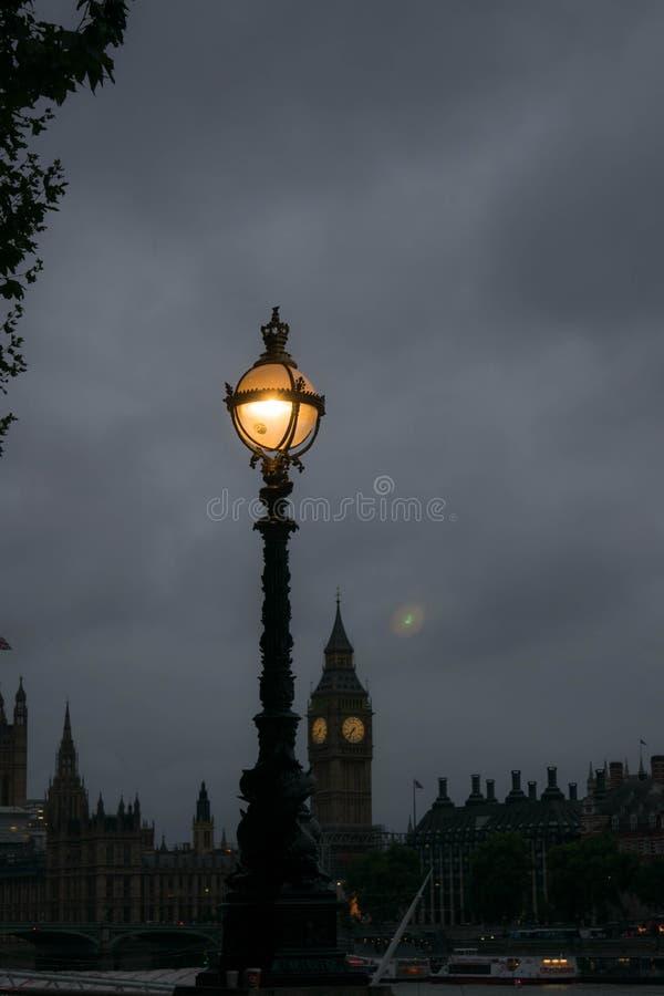 Άποψη Big Ben και του Κοινοβουλίου από το South Bank του Λονδίνου στοκ εικόνες με δικαίωμα ελεύθερης χρήσης