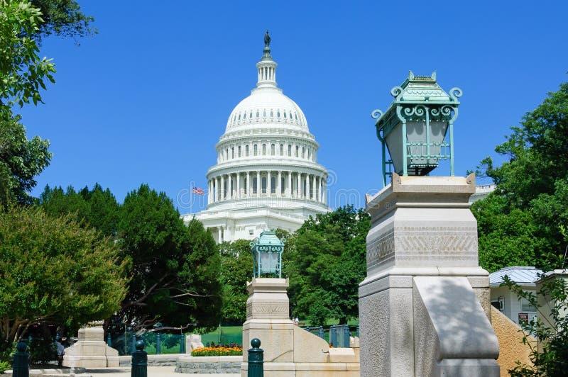 Άποψη Capitol από το πάρκο στοκ φωτογραφίες με δικαίωμα ελεύθερης χρήσης