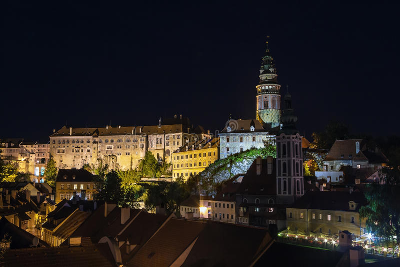 Άποψη Cesky Krumlov τη νύχτα, Τσεχία στοκ φωτογραφίες με δικαίωμα ελεύθερης χρήσης