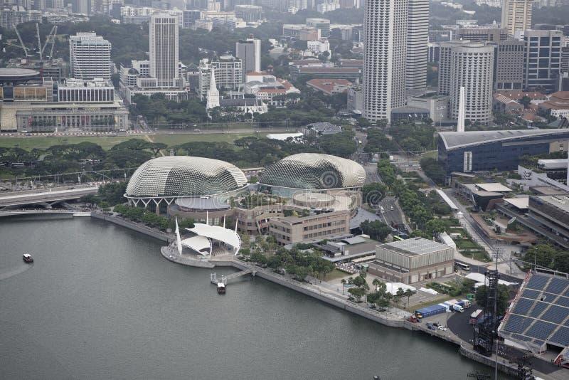 Άποψη Esplanade των θεάτρων από τη γέφυρα παρατήρησης του καυτού στοκ εικόνες