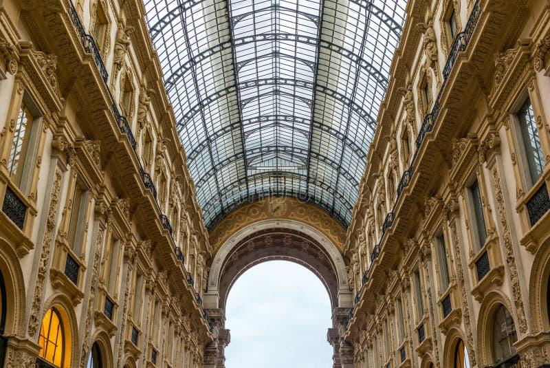 Άποψη Galleria Vittorio Emanuele στο Μιλάνο - 4 στοκ εικόνες