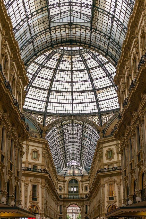 Άποψη Galleria Vittorio Emanuele στο Μιλάνο - 5 στοκ εικόνα με δικαίωμα ελεύθερης χρήσης