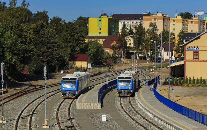 Άποψη NAD Nisou Jablonec σταθμών τρένου από τη γέφυρα στοκ εικόνα