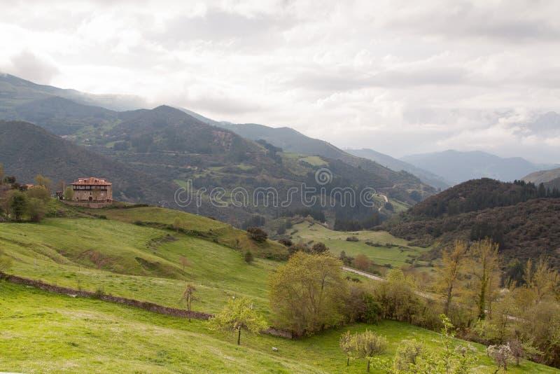 Άποψη Picos de Ευρώπη στοκ φωτογραφίες με δικαίωμα ελεύθερης χρήσης