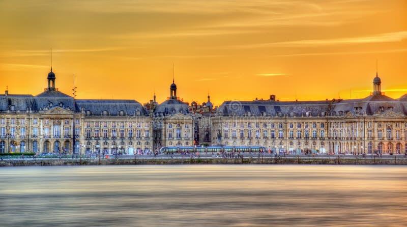 Άποψη Place de Λα Bourse και του Garonne ποταμού στο Μπορντώ, Γαλλία στοκ φωτογραφία με δικαίωμα ελεύθερης χρήσης