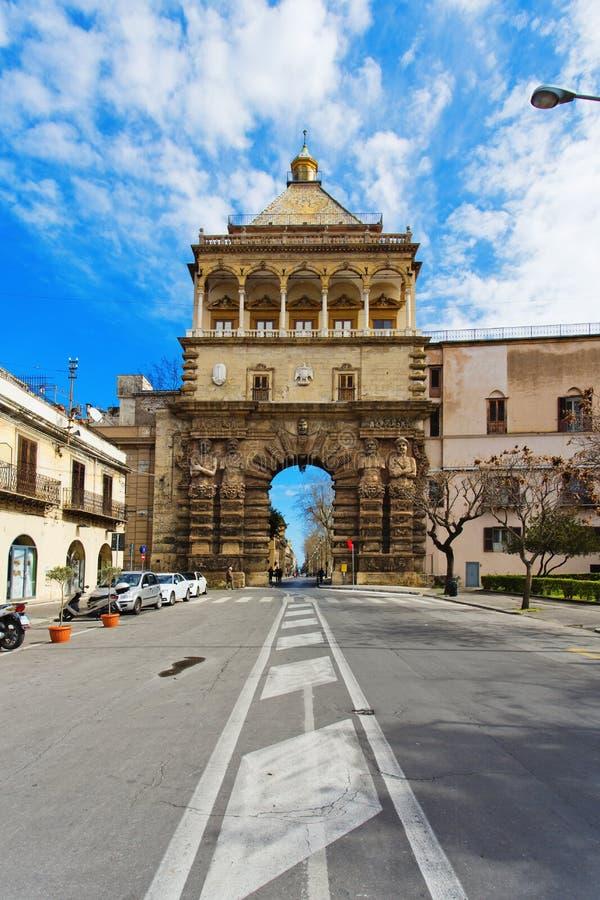 Άποψη Porta Nuova στο Παλέρμο στοκ φωτογραφίες