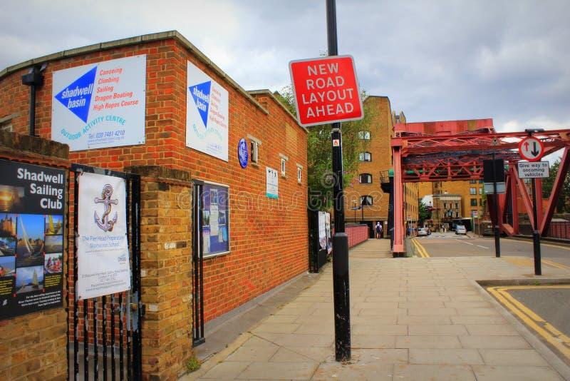 Άποψη Shadwell Λονδίνο Αγγλία τοίχων Wapping στοκ εικόνες