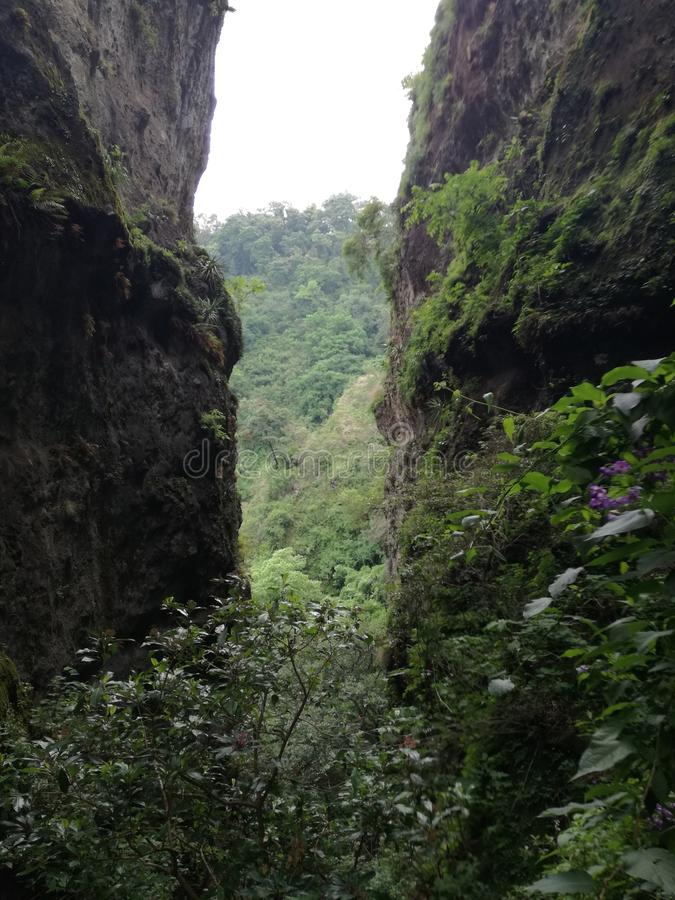 Άποψη Tepozteco στοκ φωτογραφία