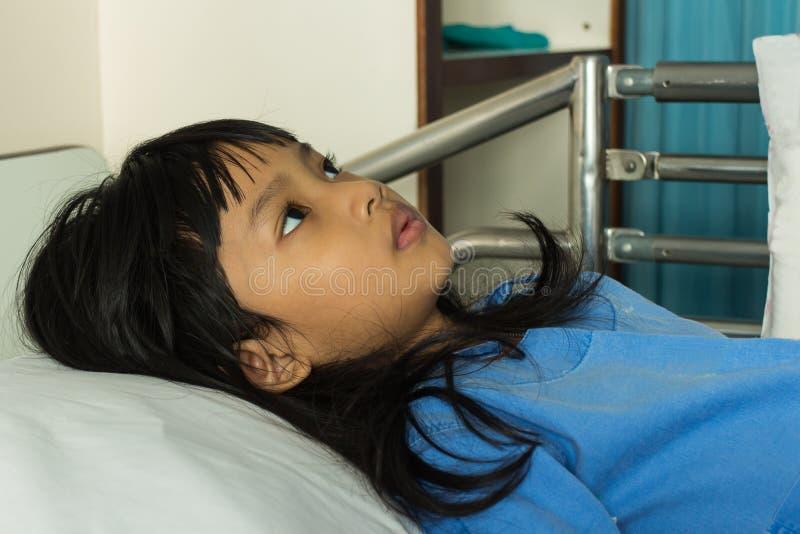 άρρωστοι κοριτσιών στοκ φωτογραφία