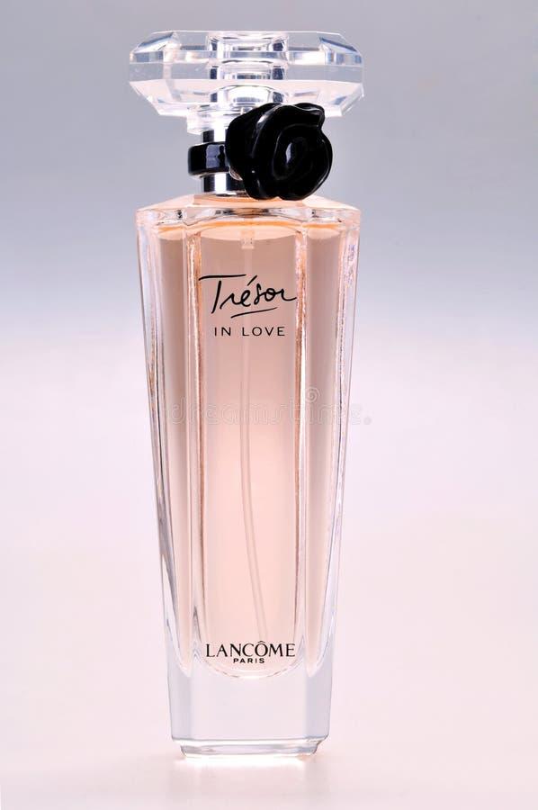 Άρωμα Lancome, Tresor EAU de parfum ερωτευμένο στοκ εικόνες