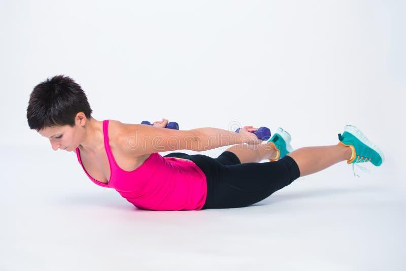 Άσκηση αλτήρων βαρών workout στοκ φωτογραφία με δικαίωμα ελεύθερης χρήσης