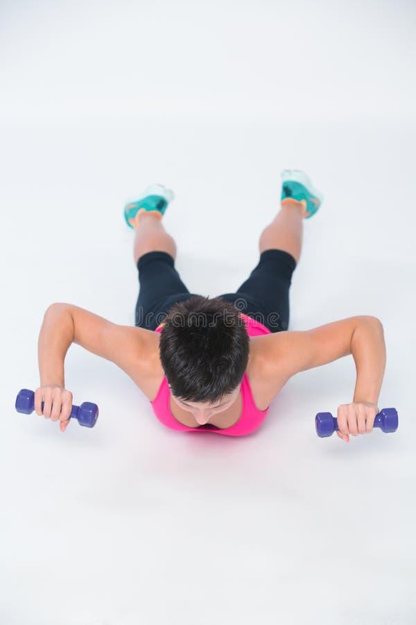Άσκηση αλτήρων βαρών workout στοκ εικόνες με δικαίωμα ελεύθερης χρήσης