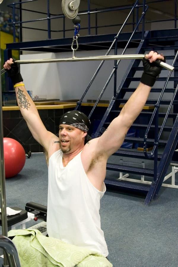 άσκηση του ατόμου γυμνασ στοκ φωτογραφία με δικαίωμα ελεύθερης χρήσης
