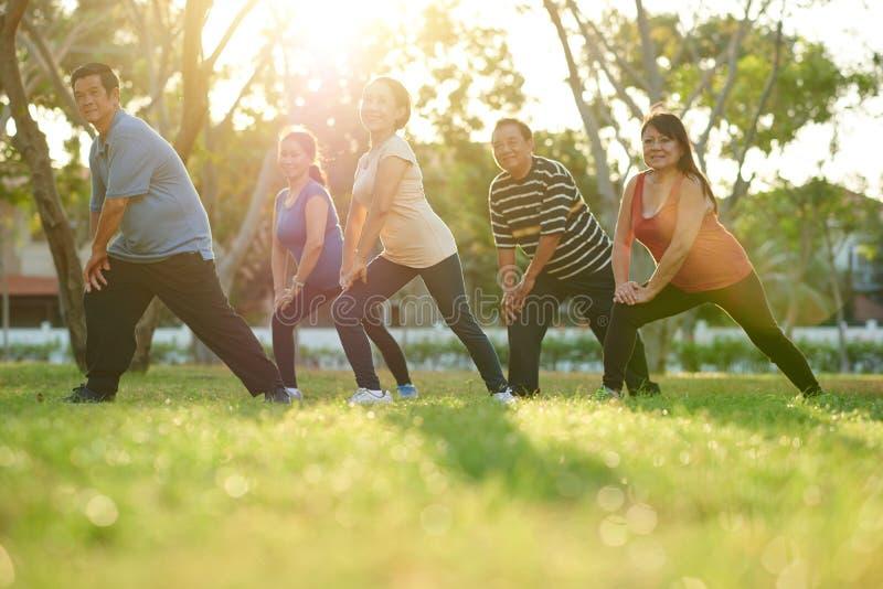 Άσκηση των ηλικίας ατόμων στοκ φωτογραφίες με δικαίωμα ελεύθερης χρήσης
