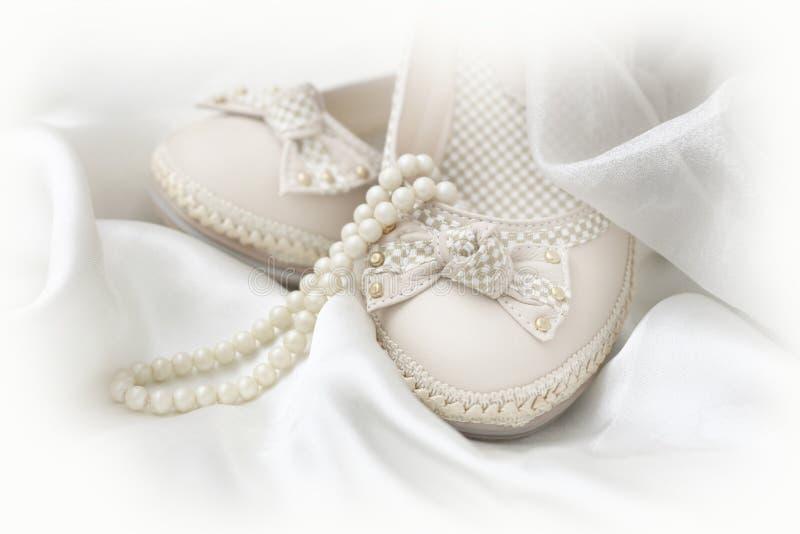 Άσπρα παπούτσια στοκ εικόνες με δικαίωμα ελεύθερης χρήσης