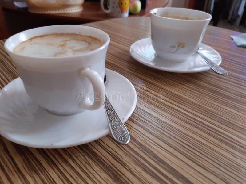 Άσπρα φλυτζάνια του coffe στοκ εικόνες