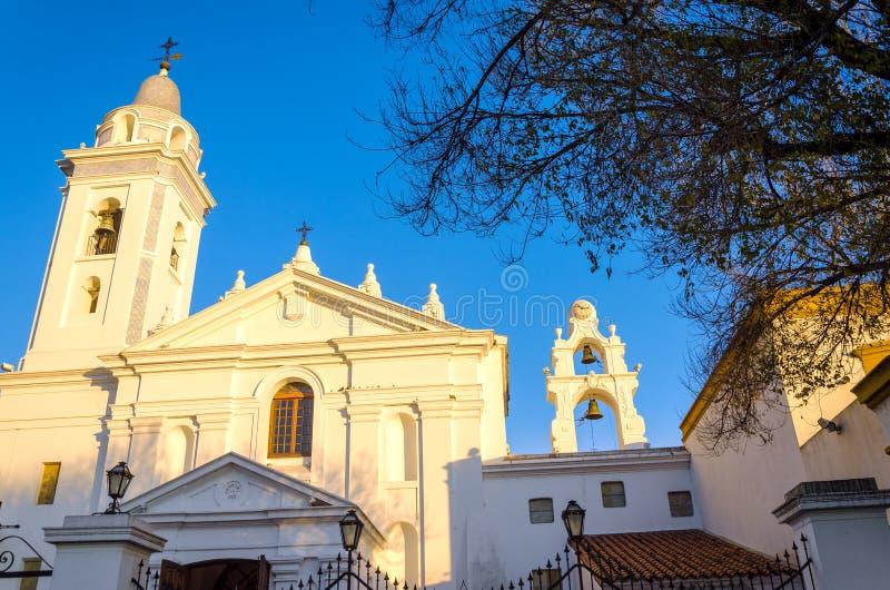 Άσπρη εκκλησία στοκ φωτογραφία με δικαίωμα ελεύθερης χρήσης