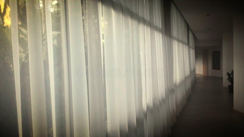 Άσπρη κουρτίνα στοκ εικόνα με δικαίωμα ελεύθερης χρήσης