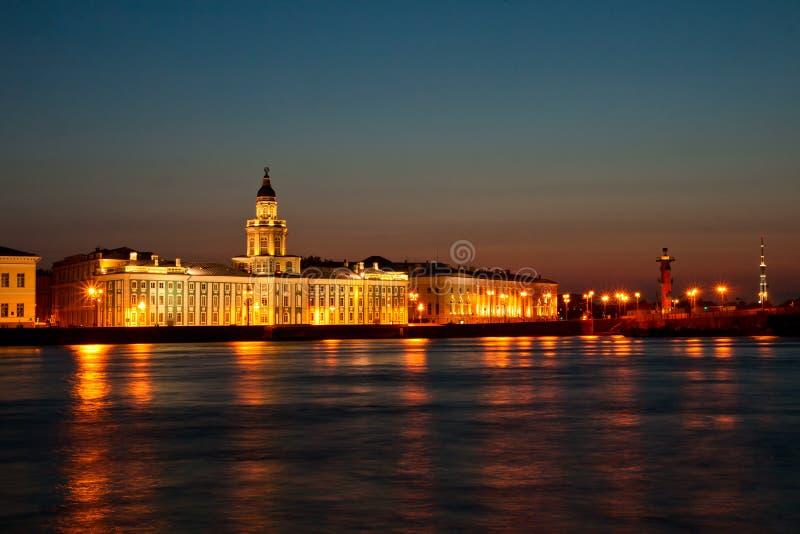 Άσπρη νύχτα στην Άγιος-Πετρούπολη στοκ εικόνα με δικαίωμα ελεύθερης χρήσης