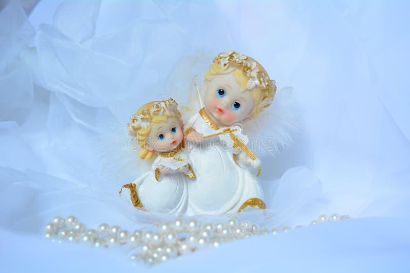 Άσπροι άγγελοι στοκ εικόνα με δικαίωμα ελεύθερης χρήσης