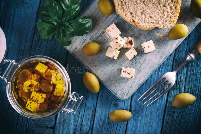 Άσπροι κύβοι τυριών στοκ φωτογραφίες με δικαίωμα ελεύθερης χρήσης