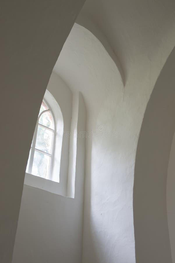 Άσπροι τοίχοι στην εκκλησία Oostrum στοκ εικόνες με δικαίωμα ελεύθερης χρήσης