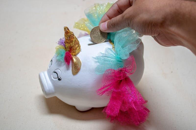 Άσπρος piggy Piggy στοκ φωτογραφία