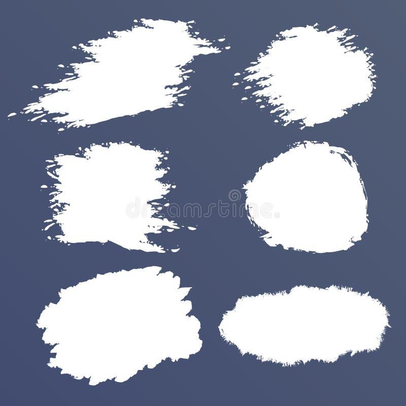 Άσπρο διανυσματικό σύνολο grunge, λεκέδες βουρτσών, κτυπήματα, εμβλήματα ελεύθερη απεικόνιση δικαιώματος
