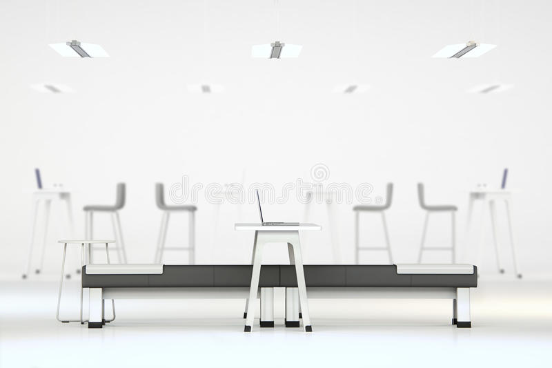 Άσπρο καθαρό γραφείο με τα έπιπλα στοκ φωτογραφία με δικαίωμα ελεύθερης χρήσης