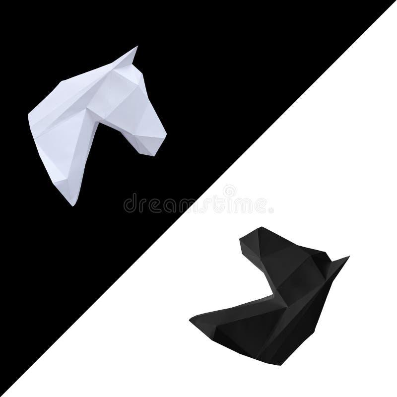 Άσπρο και μαύρο κεφάλι αλόγων εγγράφου αντίθετος στοκ εικόνα