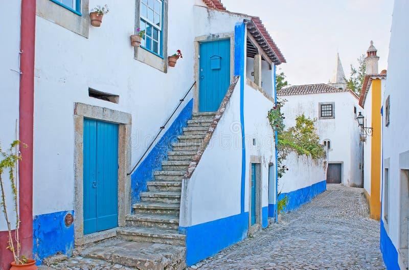 Άσπρο και μπλε Obidos στοκ εικόνες