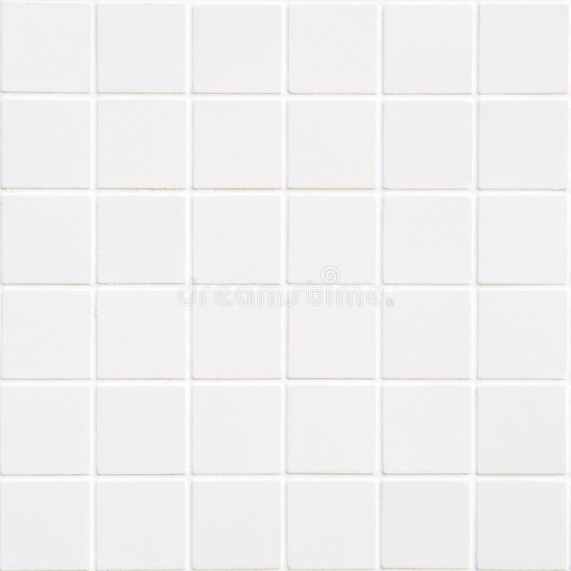 Άσπρο κεραμικό κεραμίδι με 36 τετράγωνα με τετραγωνική μορφή στοκ φωτογραφίες