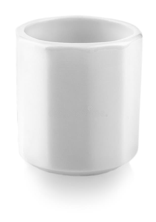 Άσπρο κεραμικό φλυτζάνι για τη χάρη στο άσπρο υπόβαθρο στοκ εικόνες με δικαίωμα ελεύθερης χρήσης