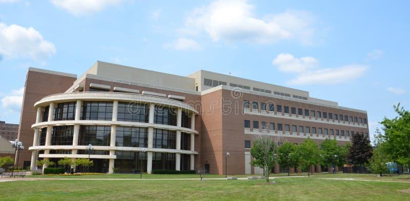 Άσπρο κτήριο του William πυρόλιθου Πανεπιστήμιο του Michigan στοκ εικόνα με δικαίωμα ελεύθερης χρήσης