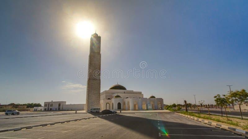 Άσπρο μουσουλμανικό τέμενος σε Ajman timelapse hyperlapse, Ηνωμένα Αραβικά Εμιράτα στοκ φωτογραφίες με δικαίωμα ελεύθερης χρήσης