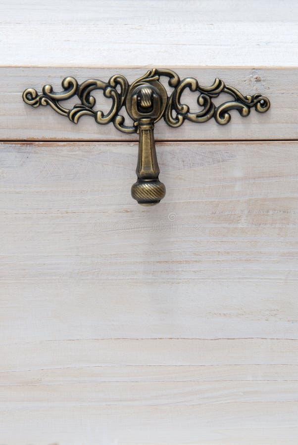 Άσπρο ξύλινο στήθος στοκ εικόνες