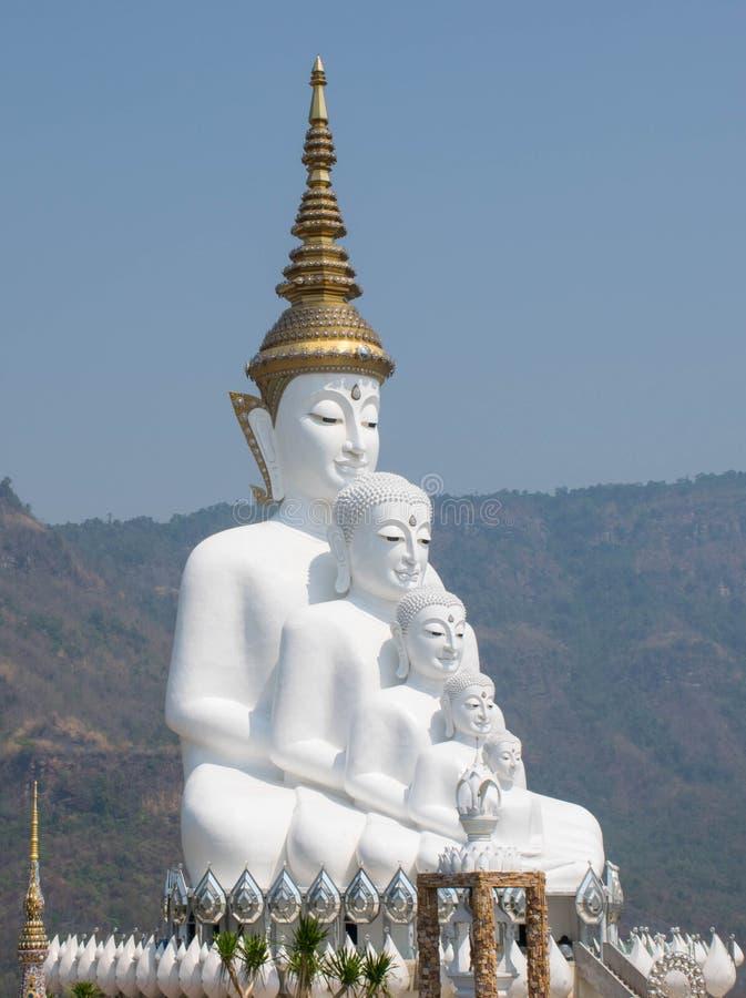 Άσπρο πέμπτο επεισόδιο του Βούδα στοκ εικόνα