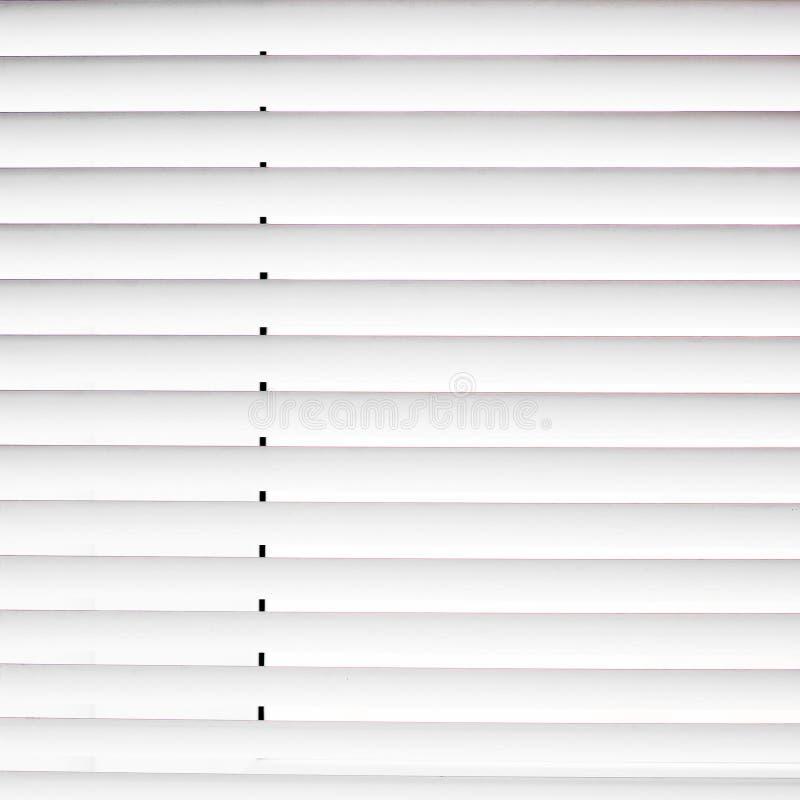 άσπρο παράθυρο τυφλοί κλειστοί jalousie στοκ φωτογραφίες με δικαίωμα ελεύθερης χρήσης