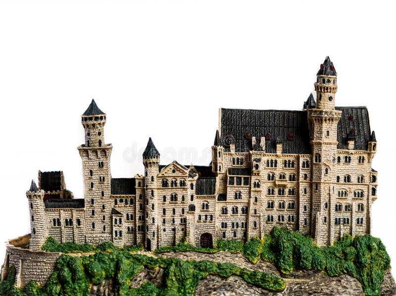 Άσπρο πρότυπο κάστρων σε μια κορυφή λόφων στοκ εικόνα