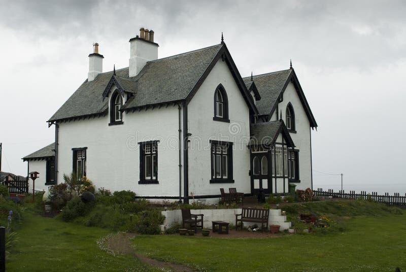 Άσπρο σπίτι στοκ φωτογραφία με δικαίωμα ελεύθερης χρήσης