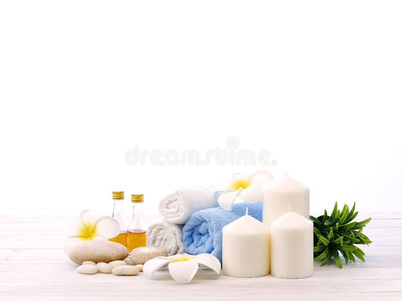 Άσπρο υπόβαθρο λουλουδιών βράχου SPA στοκ εικόνα με δικαίωμα ελεύθερης χρήσης