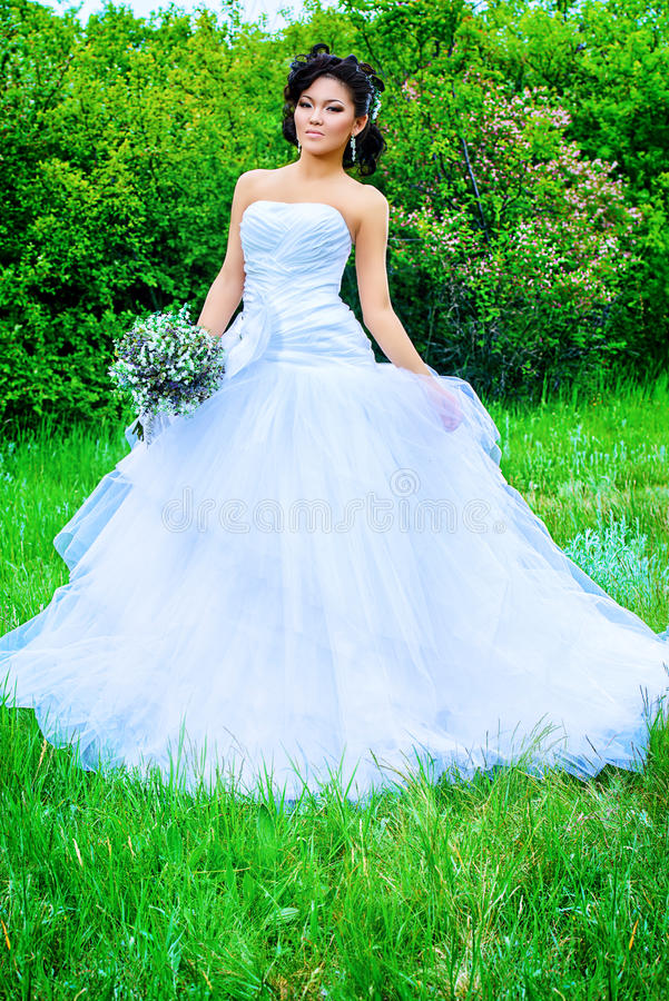 Άσπρο φόρεμα στοκ εικόνα