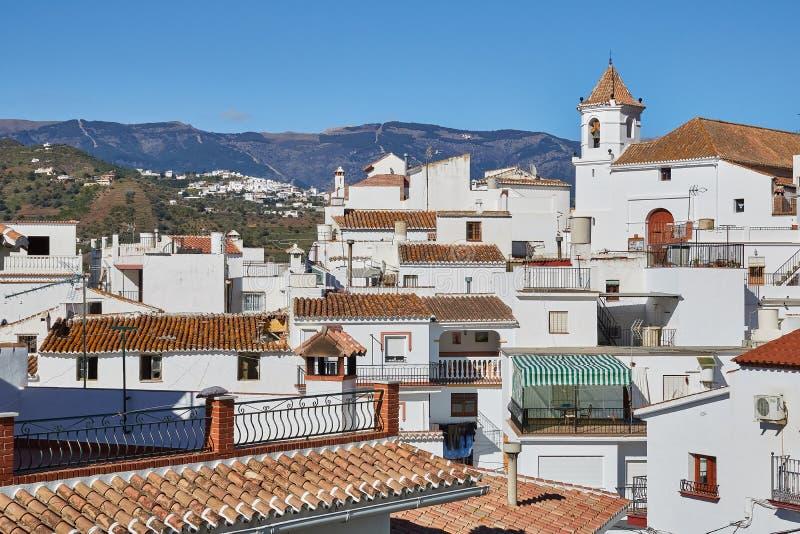 Άσπρο χωριό Sayalonga στη Μάλαγα, Ισπανία στοκ φωτογραφία με δικαίωμα ελεύθερης χρήσης