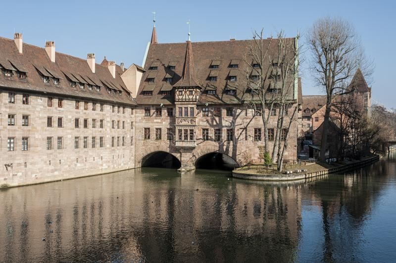 Άσυλο heilig-Geist-Spital του ιερού πνεύματος στην παλαιά πόλη Νυρεμβέργη Άποψ στοκ φωτογραφίες με δικαίωμα ελεύθερης χρήσης