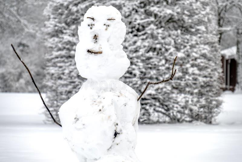 Άσχημος χιονάνθρωπος σε Unterschleissheim από το Μόναχο, Γερμανία στοκ φωτογραφία με δικαίωμα ελεύθερης χρήσης