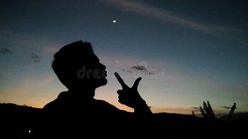 Άτομο και ουρανός στοκ φωτογραφίες με δικαίωμα ελεύθερης χρήσης