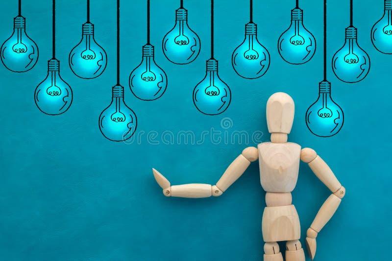 Άτομο και σχέδιο της έννοιας ιδέας δημιουργικότητας βολβών jpg στοκ φωτογραφία με δικαίωμα ελεύθερης χρήσης
