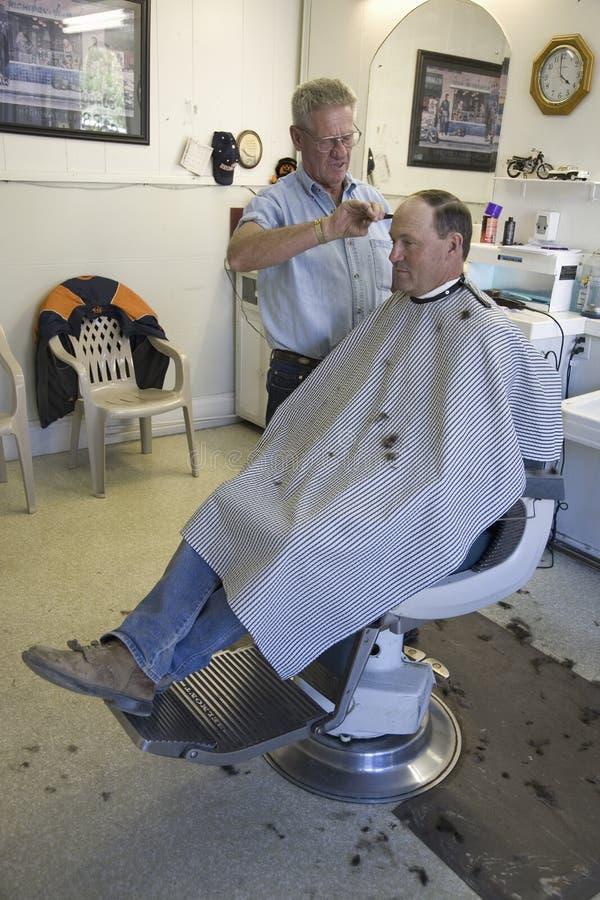 Άτομο που παίρνει το κούρεμα σε Barbershop του Gordon στοκ εικόνα με δικαίωμα ελεύθερης χρήσης