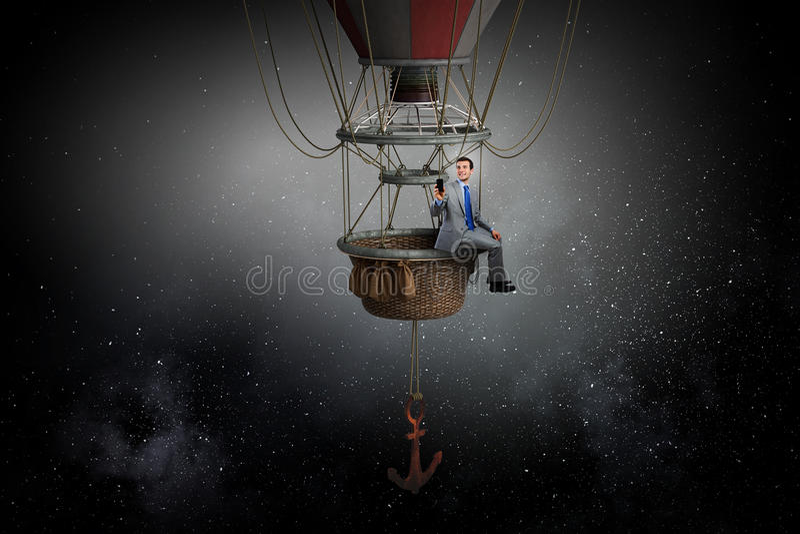 Άτομο που ταξιδεύει στο αερόστατο Μικτά μέσα στοκ φωτογραφίες με δικαίωμα ελεύθερης χρήσης