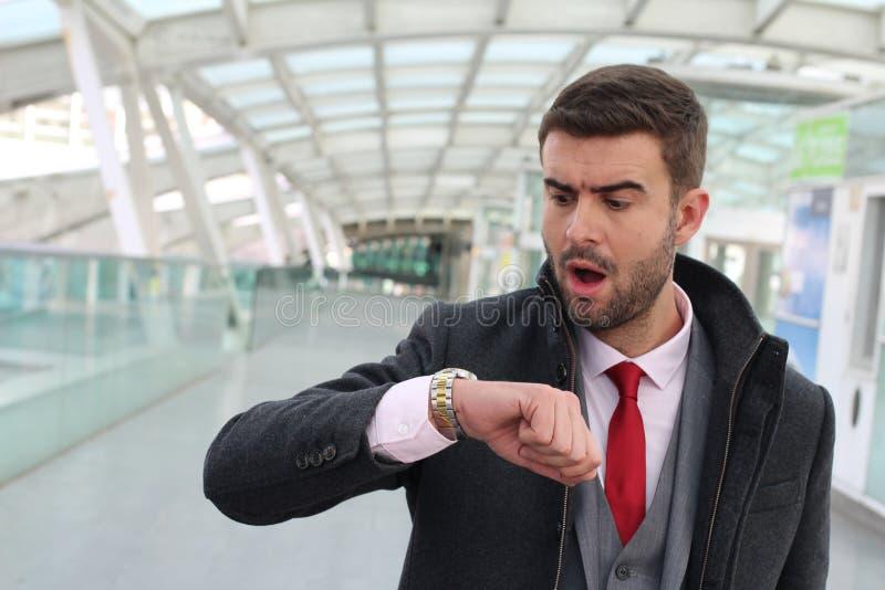 Άτομο που φθάνει αργά σε έναν διορισμό στοκ εικόνα με δικαίωμα ελεύθερης χρήσης